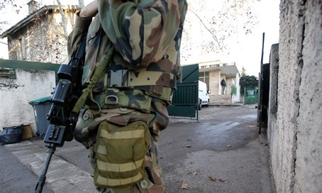 Security outside Jewish school in Marseille (file)
